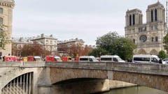 Die Polizeistation liegt gleich bei der berühmten Kathedrale Norte Dame. (Bild: Le Parisien)