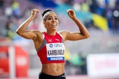 2019: Weltmeisterschaften DohaDer Moment, in dem nach der Zahl 3 ihr Name erscheint: Mujinga Kambundji realisiert, dass sie gerade eine WM-Medaille gewonnen hat. Es ist Bronze! Es ist der bisher grösste Moment in ihrer bewegten Karriere. Das Glück und Mujinga Kambundji sind vereint. Endlich. (Bild: Keystone)