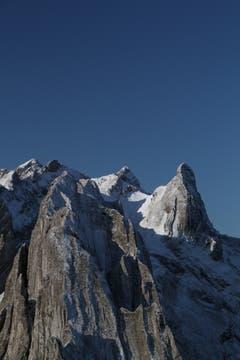 Die 1. Alpsteinkette ist überzuckert. (Bild: Heinz Weber)