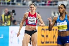 Léa Sprunger sprintet dem Ziel entgegen. (Bild: Keystone)
