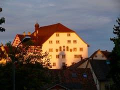 Guten Morgen du Schöner! Der Hof zu Wil im Morgenlicht. (Bild: Hans-Peter Amann)