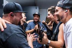 Die Band freut sich. (Bild: Patrick Huerlimann, Zug, 5. Oktober 2019)