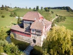 Das Schloss Hagenwil ist die einzige Wasserburg der Ostschweiz. (Bild: Beat Belser)