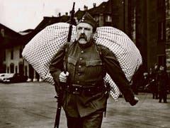 Alfred Rasser als HD-Soldat Läppli im gleichnamigen Film aus dem Jahr 1959. (Bild: Theater Fauteuil)