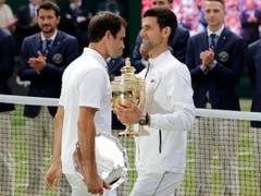 Das nächste Gipfeltreffen in London: Nach dem epischen Wimbledonfinal treffen Roger Federer (li.) und Novak Djokovic auch an den ATP Finals wieder aufeinander (Bild: KEYSTONE/AP/BEN CURTIS)