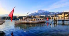 Der neue Schiffsteg 8 am Schweizerhof-Quai, ob in Zukunft das MS Rütli diesen Steg anfährt? (Bild: Walter Buholzer, 8. Februar 2019)