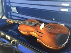 Leistet ihrer Herkunftsgenossin im Orchester künftig Gesellschaft: Die zusätzliche Stradivari-Violine der Festival Strings Luzern. (Bild: David Kunz/Keystone-SDA)
