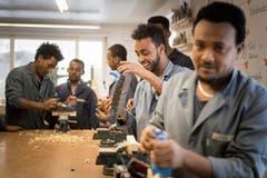 Beim Projekt LernEtwas werden berufliche Erstkenntnisse und Fähigkeiten an anerkannte Flüchtlinge in Rorschach weitergegeben.