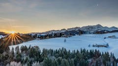 Sonnenaufgang bei Schwellbrunn. (Bild: Luciano Pau)