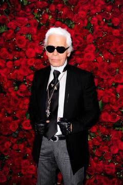 Karl Lagerfeld 2011 bei der Vorpremiere zum Film «A Tribute To Pedro Almodovar». (Bild: Andrew Gombert / EPA)