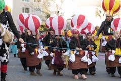 An der «Schuäl-Chatzämüüsig» in Altdorf zeigten die Schüler ihre selbst gebastelten Kostüme. (Bild: Florian Arnold, 19. Februar 2019)