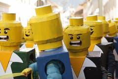 Lego-Männchen an der «Schuäl-Chatzämüüsig» in Altdorf. (Bild: Florian Arnold, 19. Februar 2019)