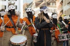 """An der """"Schuäl-Chatzämüüsig"""" in Altdorf zeigten die Schüler ihre selbst gebastelten Kostüme. (Bild: Florian Arnold, 19. Februar 2019)"""