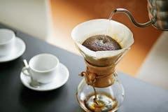 Eine manuelle Filterkaffeemaschine aus Glas. (Bild: PD)