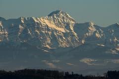 Unser Säntis, aufgenommen 48 km entfernt! Dank klarer Winterluft! (Bild: Walter Schmidt)