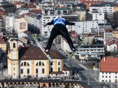 Solide Leistung mit Platz 26: Andreas Schuler fliegt Richtung Innsbruck (Bild: KEYSTONE/PETER SCHNEIDER)
