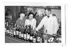 Beizenfasnacht in der «Krone»: Der Wirt Alois Gisler und seine Frau Anna. (Bild: PD)