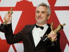 Der Mexikaner Alfonso Cuarón hat mit dem Werk «Roma» die wichtigen Oscar-Auszeichnungen für die beste Regie, die beste Kamera-Arbeit und als bester nicht-englischsprachiger Film gewonnen. (Bild: KEYSTONE/EPA/ETIENNE LAURENT)