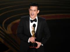 Rami Malek hat am Sonntag in Hollywood den Oscar für den besten Hauptdarsteller gewonnen. (Bild: KEYSTONE/AP Invision/CHRIS PIZZELLO)