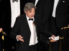 Peter Farrelly hat in der Nacht auf Montag den Hauptpreis bei der 91. Oscar-Verleihung mit dem Film «Green Book» gewonnen. (Bild: KEYSTONE/AP Invision/CHRIS PIZZELLO)