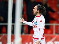 Der Sittener Bruno Morgado feiert den ersten Treffer im Cup-Viertelfinal gegen den FC Basel (Bild: KEYSTONE/VALENTIN FLAURAUD)