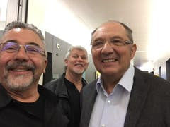 Marco Lucchi zusammen mit Beni Turnheer bei desen letzem Arbeitstag. (Bild: PD)