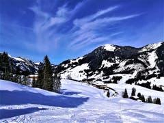 Wunderbare Winterlandschaft im Sörenberg. Auf dem Foto sieht man die Skihütte Schwand. (Bild: Urs Gutfleisch, 8. Februar 2019)