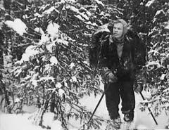 Igor Djatlow schwer bepackt zu Beginn des Abenteuers. (Bild: PD)