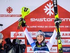 Wendy Holdener triumphiert - wie schon 2017 Gold in der Kombination (Bild: KEYSTONE/JEAN-CHRISTOPHE BOTT)