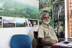 Ornithologe Rjiv Sugathan sensibilisiert Schulkinder für den Vogelschutz. (Bild: Angela Bernetta)
