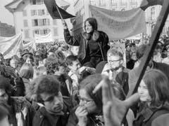 Kämpferische Stimmung auf dem Bundesplatz. (Bild: Keystone/PHOTOPRESS-ARCHIV/JOE WIDMER)