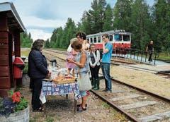 Es gibt keinen Speisewagen: Picknickstopp im Wald in Fågelsjö auf 409 Metern über Meer.