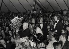 Vevey 1992: Die sechste Generation der Knies mit Charles Chaplin. (Bild: PD/Archiv Circus Knie)