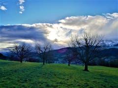 Sonnen- und Wolkenspektakel heute Morgen über dem Himmel von Malters. (Bild: Urs Gutfleisch, Malters, 13. März 2019)
