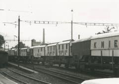Weil die beiden Züge des Circus Knie nicht aufs Schmalspur-System in der Zentralschweiz passen, kam es nie zu einem Auftritt in Nid- und Obwalden. (Bild: PD/Archiv Circus Knie)