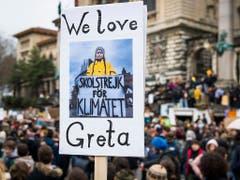 Greta-Thunberg-Plakat in Lausanne. (Bild: KEYSTONE/JEAN-CHRISTOPHE BOTT)