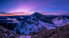 Sonnenaufgang auf 2132 Meter ist immer etwas Besonderes. (Bild: Marco Schäfer, Pilatus, 17. März 2019)