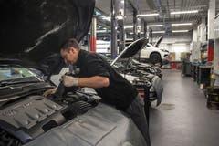 ...38 Autos können hier gleichzeitig repariert werden. (Bild: Dominik Wunderli, Buchrain 19. März 2019)