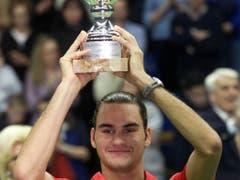 4. Februar 2001: Roger Federer gewinnt in Mailand den ersten von nun 100 Profititeln (Bild: KEYSTONE/EPA ANSA/DAL ZENNARO)