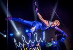 Artistik vor dem wieder eingeführten Zirkus-Orchester. (Bild: Andrea Stalder)