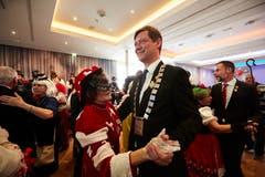 Auf ein Tänzchen mit LFK-Präsident Mike Hauser. (Bild: Jakob Ineichen, Luzern, 2. März 2019)