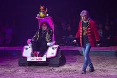 """Duo """"Ballance"""" während ihrem Auftritt an der Premiere zur 100-Jahre-Jubiläumstournee des Circus Knie in Rapperswil (SG), am Donnerstag, 21. März 2019. (Bild: Keystone/Melanie Duchene)"""