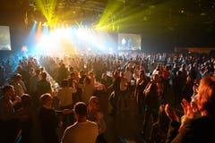 Full House! Rund 4000 Schlagerfans kamen in die Messehalle 1 auf der Luzerner Allmend.