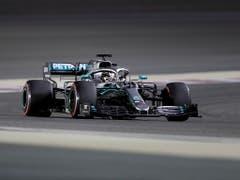 Auch Weltmeister Lewis Hamilton, Teamkollege von Bottas bei Mercedes, muss sich am Samstag im Qualifying steigern, will er wie in Melbourne von der Pole-Position aus ins Rennen starten (Bild: KEYSTONE/AP/HASSAN AMMAR)