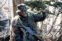 Roger Schmid aus Baar ist einer der Scharfschützen des Bataillons.