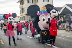 Die Maskengruppe RÜBAPLÜ mit dem Motto «Micky feiert mit dem FC Geburtstag». (Bild: Philipp Schmidli, Meggen, 3. März 2019)