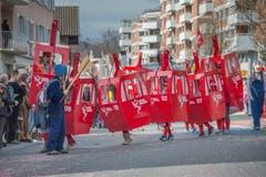 Die Gruppe Winkeldrache lotst die Gondeln des «Horw - Pilatus-Express» sicher durch das Dorf. Bald auch auf den Berg? (Bild: Pius Amrein, Horw, 3. März 2019)