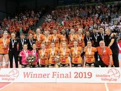 Das obligate Teamfoto nach dem Gewinn des ersten Cuptitels (Bild: KEYSTONE/ADRIEN PERRITAZ)