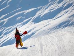 Die Freude am Skifahren in der Schweiz sei zurück, sagen Verantwortliche. Zum Beispiel bei der Hexenabfahrt auf der Belalp VS. (Bild: Keystone/VALENTIN FLAURAUD)