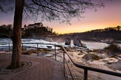 Abendstimmung am Rheinfall. (Bild: Marc Bollhalder)